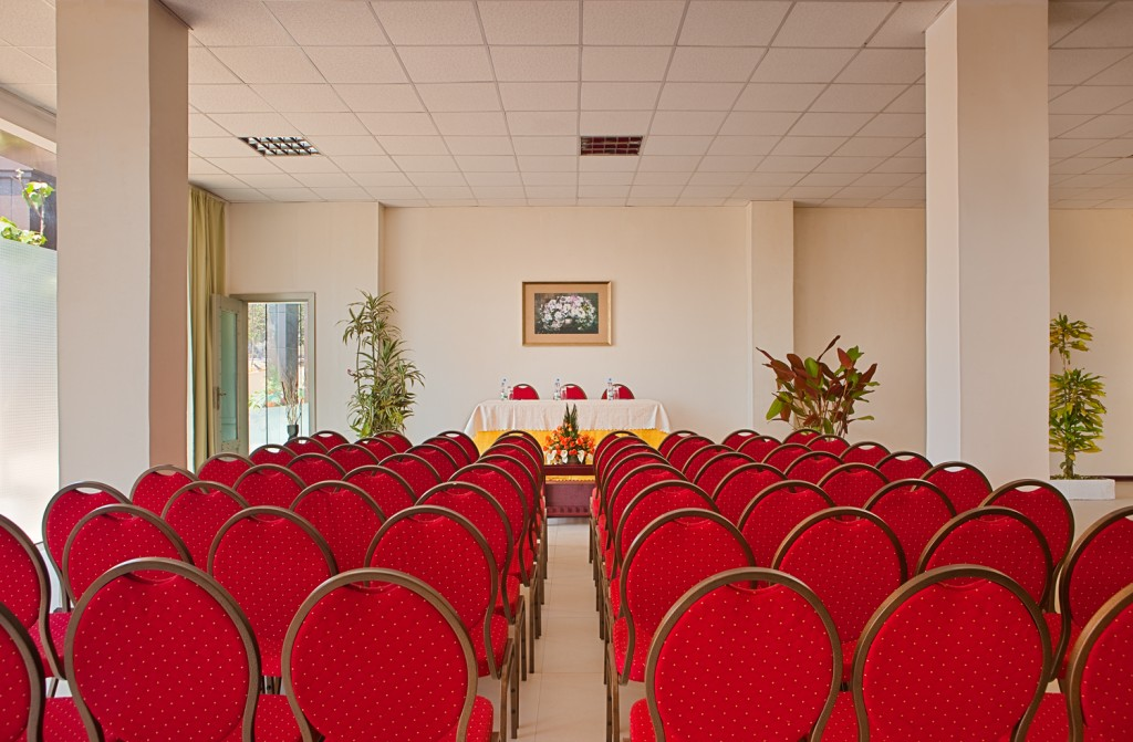 conference_room_style_theater